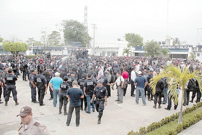 ARRECIA PARO MASIVO POLICIACO