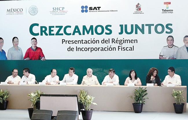 URGE RESCATAR RECURSOS PETROLEROS