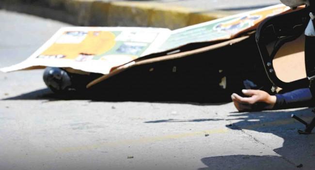 8 muertos; 3 policías y 5 delincuentes