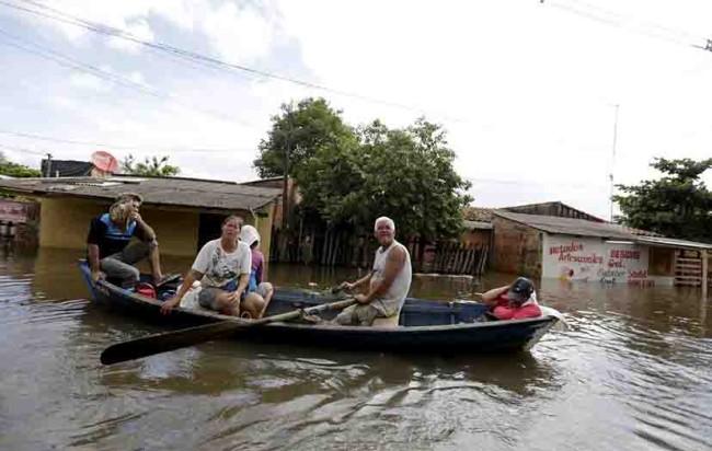 Sufren por inundaciones
