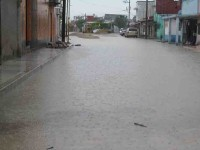 Fuerte lluvia deja daños