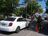 Buscan armas, drogas y unidades robadas
