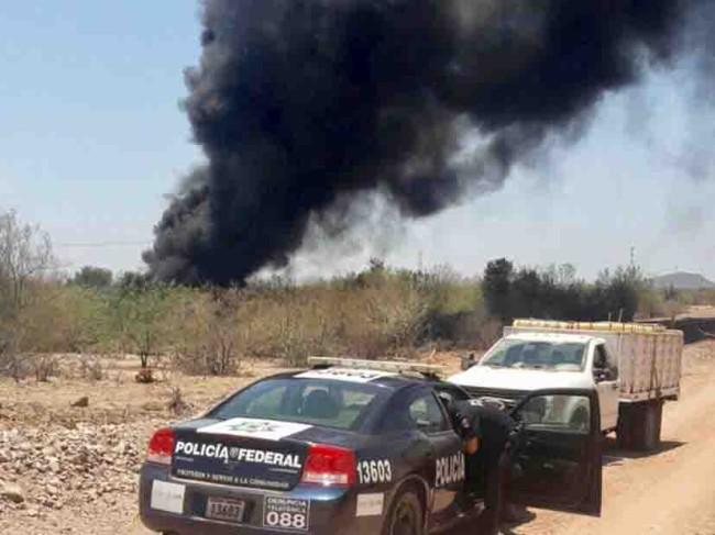 Provocan huachicoleros  incendio en oleoducto