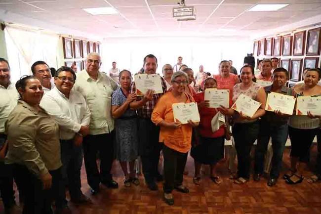 Otorga SNET apoyos para el autoempleo en Los Ríos