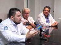 Salvan con microcirugía,  mano de un paciente