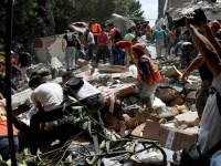 Rezan y envían ayuda para víctimas del sismo
