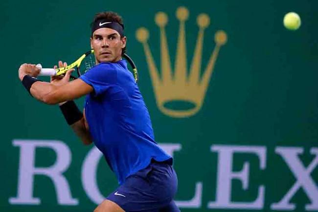 Nadal y  Federer  avanzan