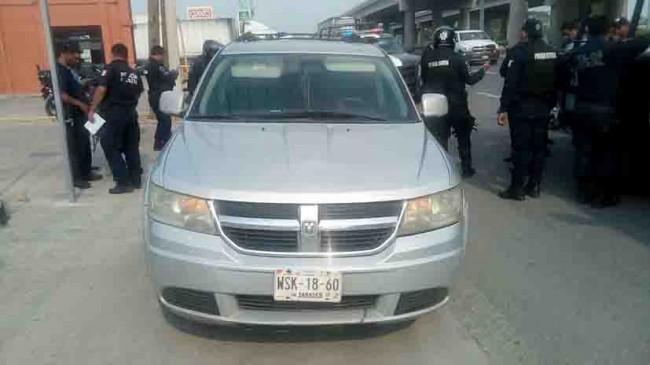 Detienen SSP a dos sujetos que  circulaban en camioneta robada