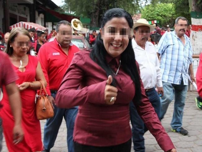 Detienen a alcaldesa por presunto homicidio