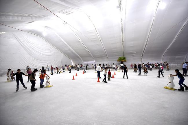 Invitan a la pista de hielo  de el 'Festival Navideño'