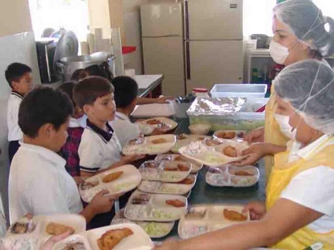 Mejorarán alimentación en escuelas de la SEP