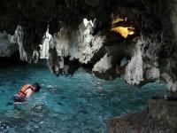 Hallan cavernas Submarinas