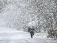 Tormenta invernal azota a Moscú