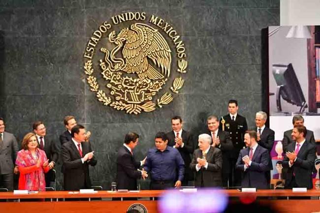 Atestigua el Gobernador Núñez 'Tu Acta de Nacimiento en Línea'
