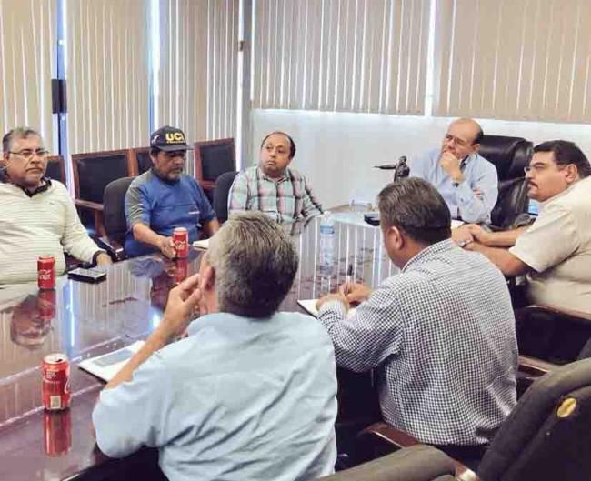 Atiende Gustavo Rosario peticiones de pescadores