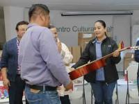 Entregan paquete de  apoyos a  talleres artísticos comunitarios