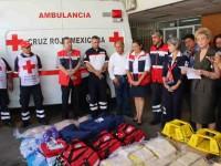 Entregan equipo y material a personal de la Cruz Roja
