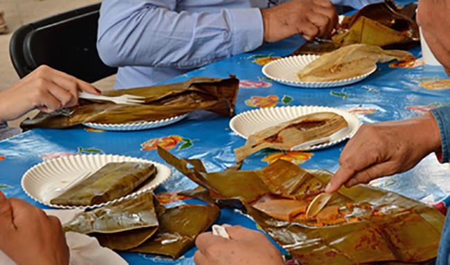 Festejan tabasqueños a la Candelaria con tamales
