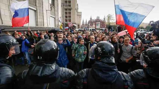 Rusos piden la  salida de Putin
