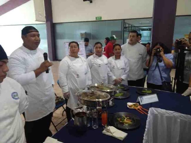 Participaron estudiantes en el 'Festival del Tamal'