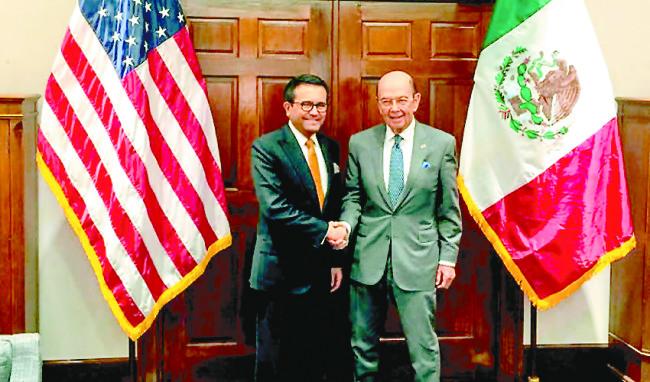 Guajardo viajará Washington para tratar temas bilaterales