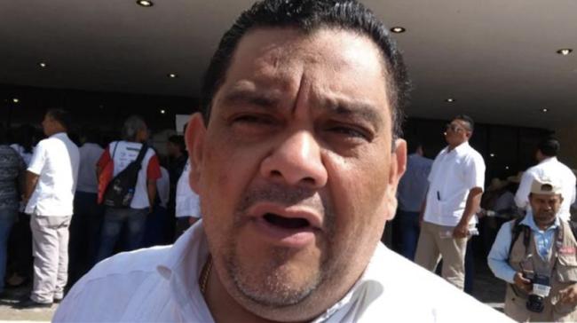Descuenta Cabrera Sandoval quincenas a sus funcionarios
