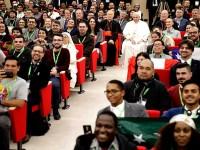 Condena el Papa a  clientes de prostitutas