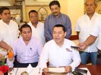 Se lanza Díaz Uribe contra De la Cruz