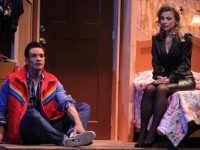 Ludwika y Andrés llegan al teatro