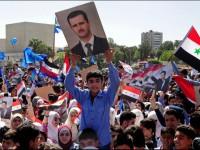 Sirios salen a las calles en apoyo al ejército