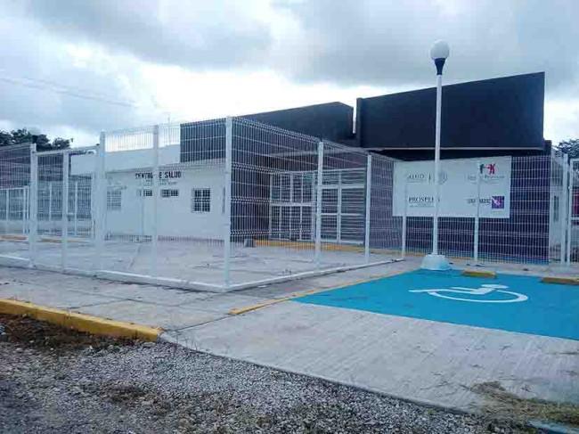 """Hospital un """"elefante blanco"""" en Balancán"""