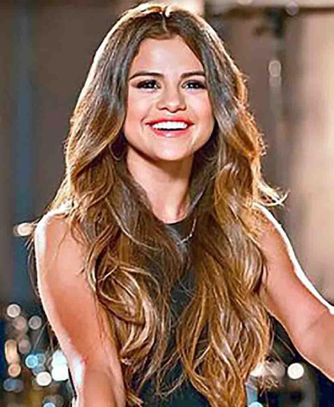 Selena supera ruptura con Justin Bieber