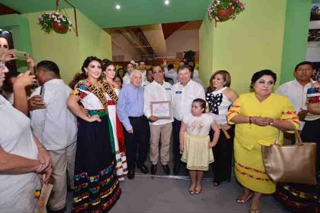 Llevan Jonuta y Macuspana sus tradiciones a la Feria Tabasco