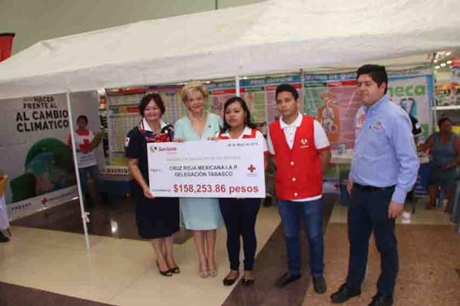 Entrega Fundación Soriana su donativo a la Cruz Roja