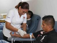 Agradece Salud a jóvenes y militares donación de sangre
