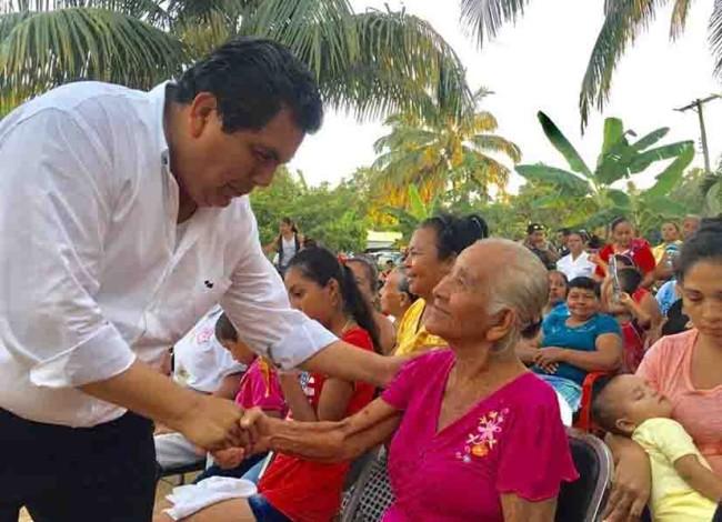 Mujeres de Cárdenas confían en el candidato Gerardo Gaudiano