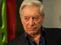 Sale del hospital a Vargas Llosa