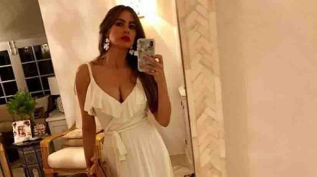 Senos de  Sofia Vergara causan controversias
