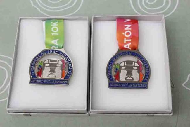 Presentan playera oficial y medallas del 'Medio Maratón Villahermosa'
