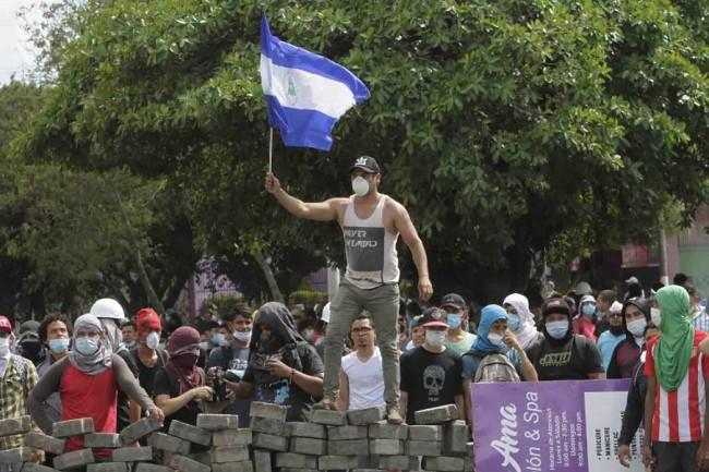 Más muertos por represión