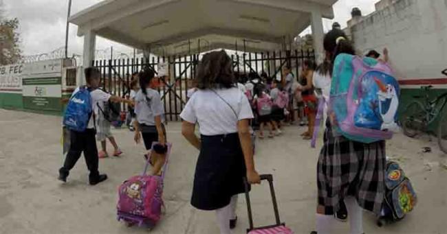 Salen de vacaciones más de  25 millones de estudiantes