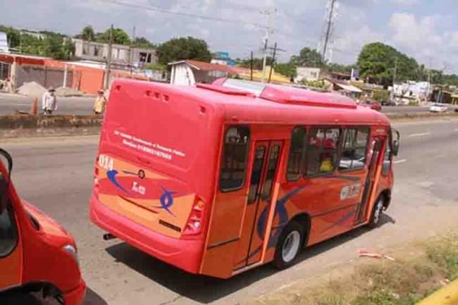 Quieren  transportistas subir 2 pesos a la tarifa