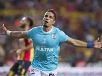 Sanvezzo se 'engalla' en goleada del Querétaro