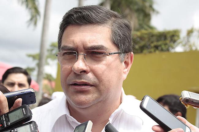 Rumores, que esté buscando dirigencia del PRD: De la Vega