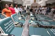 Donan sillas-cama al Hospital Juan Graham