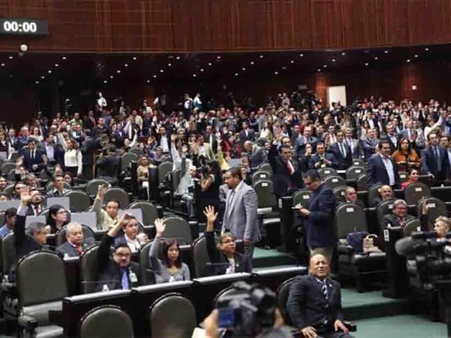 Plantean diputados 'austeridad severa'