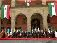 Recibe EPN cartas credenciales de 17 nuevos embajadores