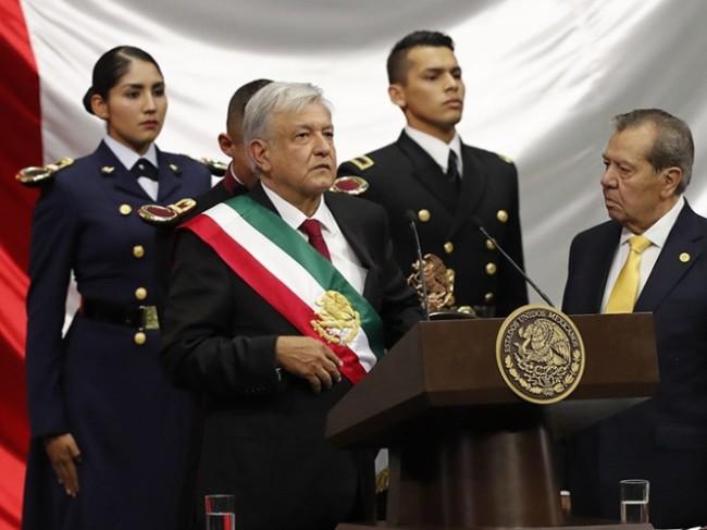 Felicitan gobernadores a López Obrador tras asumir Presidencia
