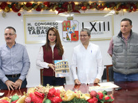 Presenta Calcáneo informe de labores al Congreso local