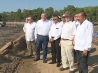 Supervisan Adán proyectos de modernización vial y refinería